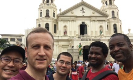"""Айцец Віктар Жук SJ: """"У Маніле на працэсію Black Nazarene збіраецца мільён вернікаў"""""""