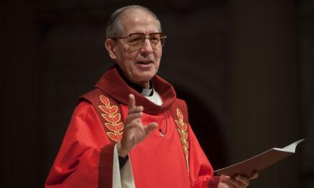 Памёр а. Адольфо Нікалáс SJ – генеральны настаяцель ордэна езуітаў у 2008-2016 гг.