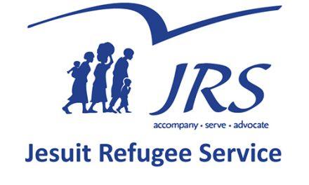 """40 год JRS: працягваць """"ісці з бежанцамі"""""""