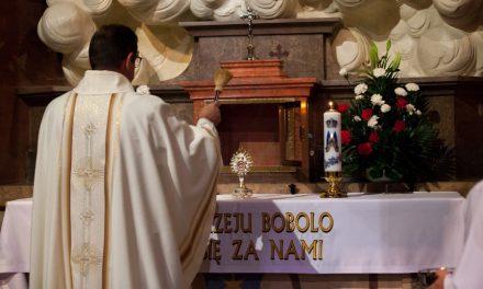 У кракаўскую базыліку вярнуліся рэліквіі святога Андрэя Баболі, скрадзеныя 40 гадоў таму